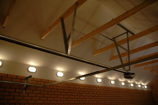 Как сделать подвесной потолок из пластика